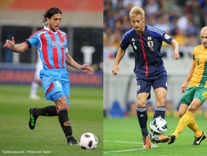 Matias Silvestre et Keisuke Honda