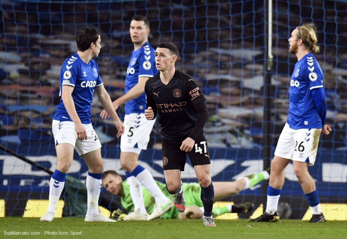 Man City enchaîne un nouveau succès à Everton