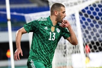 Islam Slimani, Algérie
