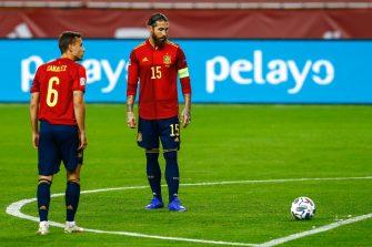 Sergio Ramos et Sergio Canales, Espagne.jpg