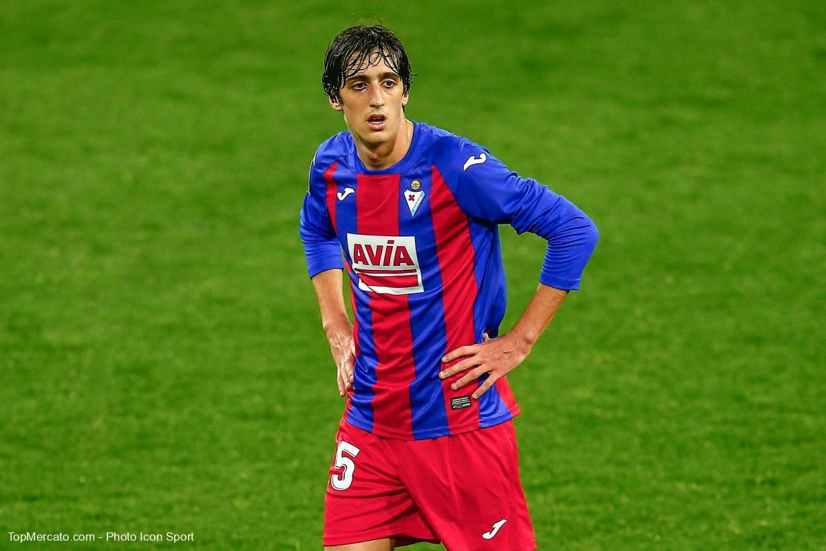 Bryan Gil, FC Séville, Eibar