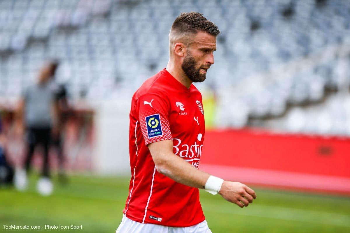 Lucas Deaux, Nîmes Olympique