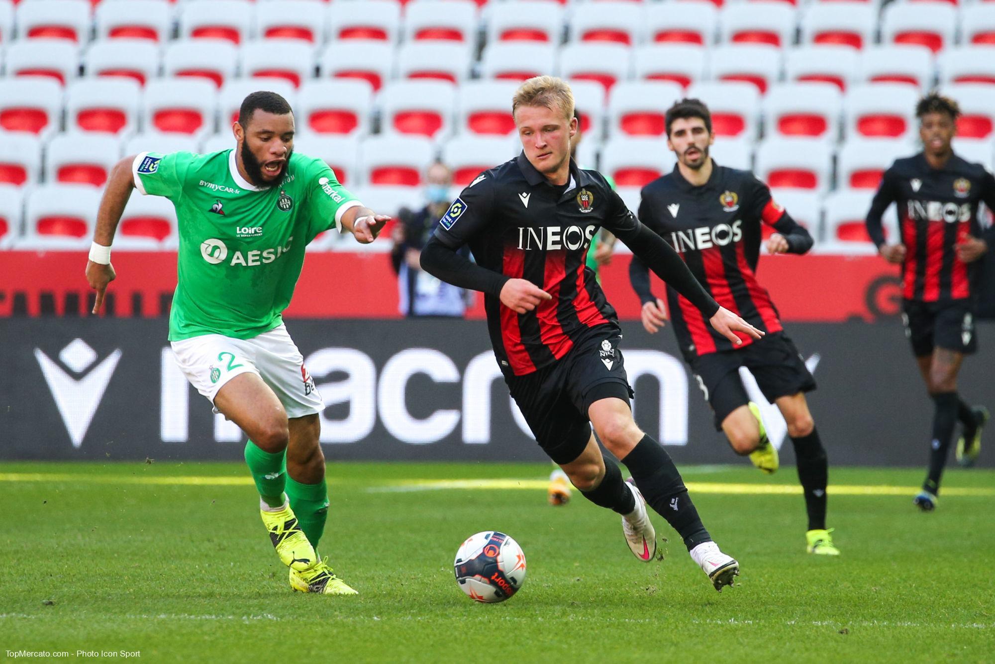 Kasper Dolberg et Harold Moukoudi, match Nice - ASSE Saint-Etienne