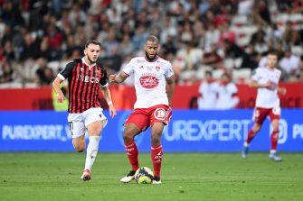 Amine Gouiri et Denys Bain, match OGCN Nice-Brest Stade Brestois