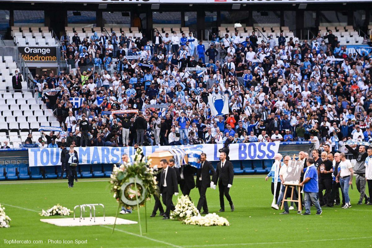 Hommage Bernard Tapie, supporters de l'OM Olympique de Marseille
