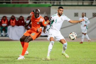Ousmane Diabate et Riyad Mahrez, match Algérie - Niger
