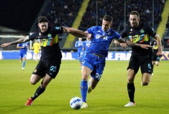 Stefan de Vrij et Andrea Pinamonti, match Empoli-Inter Milan